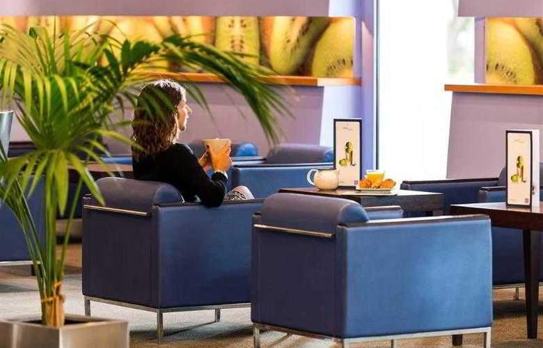 Novotel Nice Arenas Aéroport - Hotel - 12