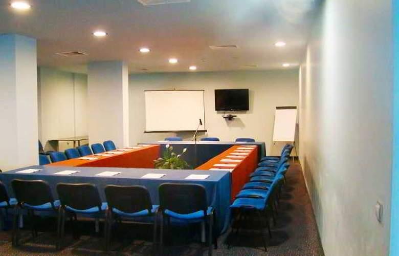 Azalia - Conference - 18