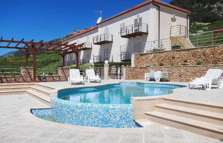 Villa Lara - Hotel - 11