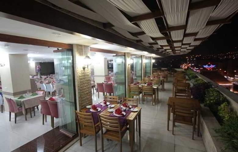 Grand Corner Boutique Hotel - Restaurant - 2