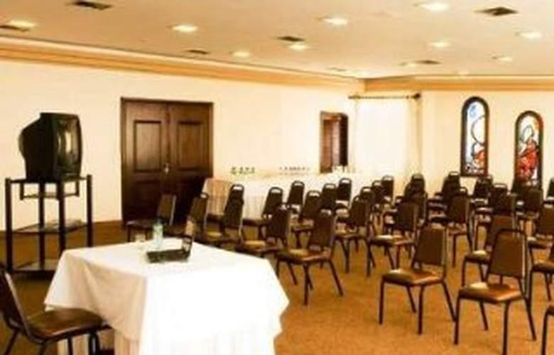 Lancaster Hotel & Business - Conference - 10
