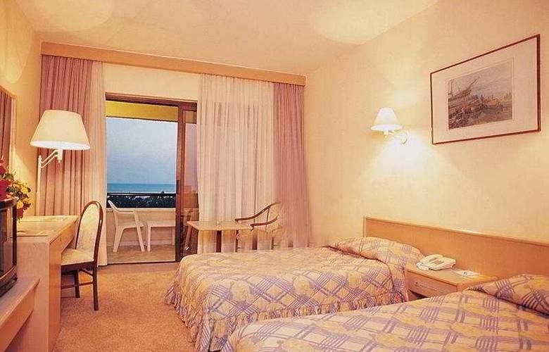 Grand Prestige - Room - 2