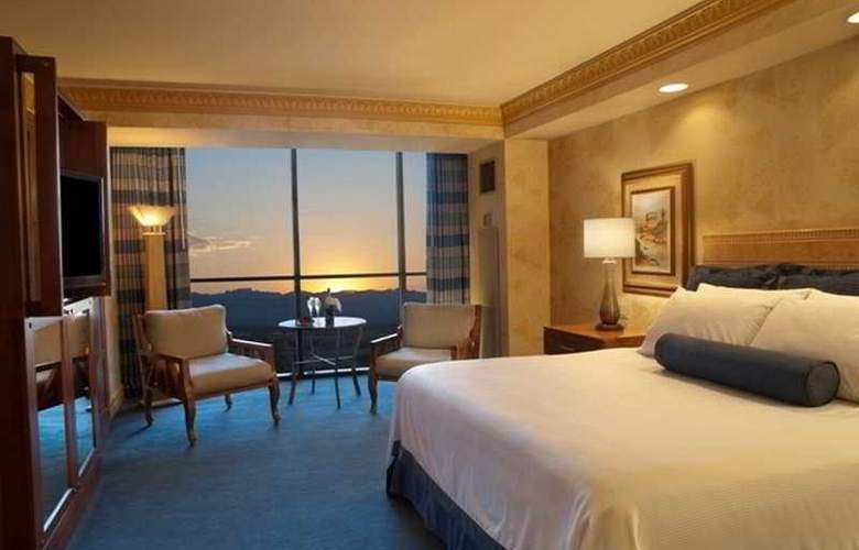 Luxor Hotel and Casino - Room - 5