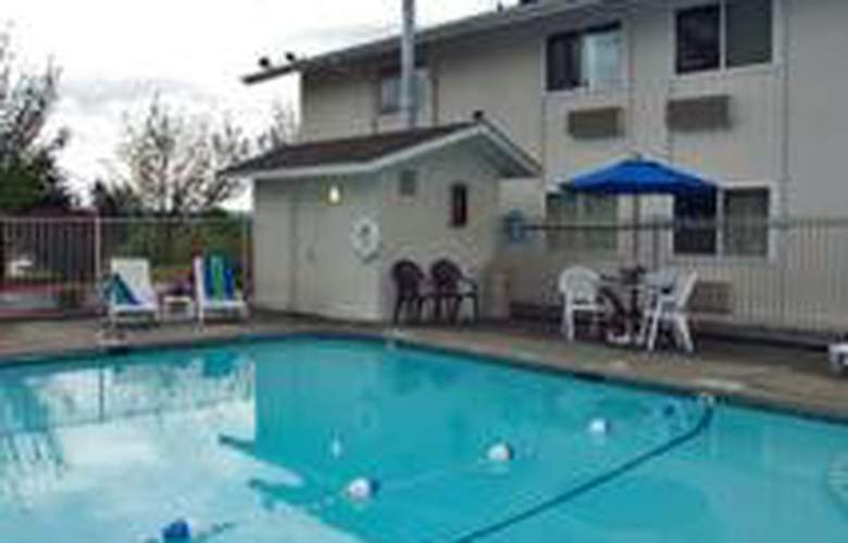 Motel 6 Seattle Airport South - Pool - 3
