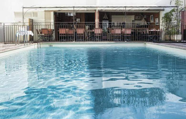 Best Western Le Galice Centre-Ville - Pool - 101