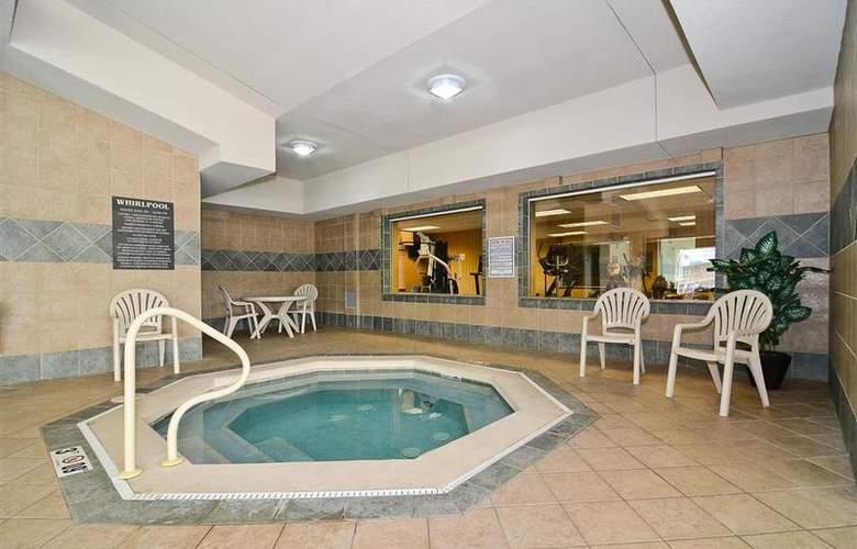 Best Western Executive Inn & Suites - Pool - 130