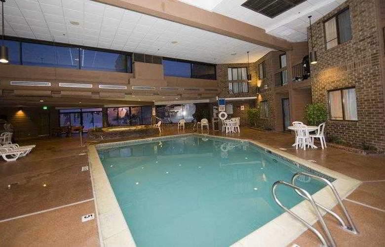 Best Western Landmark Inn - Hotel - 40