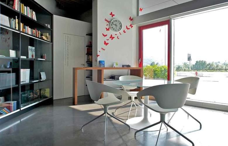 Mercure Nerocubo Rovereto - Hotel - 58
