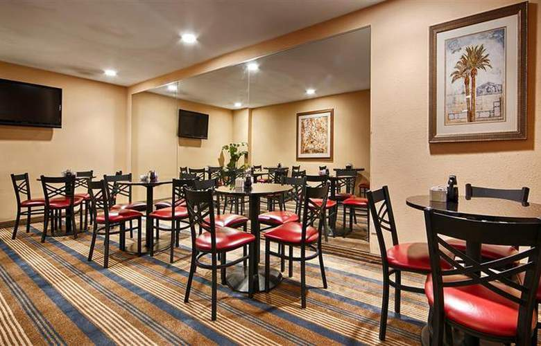 Best Western Desert Villa Inn - Restaurant - 34