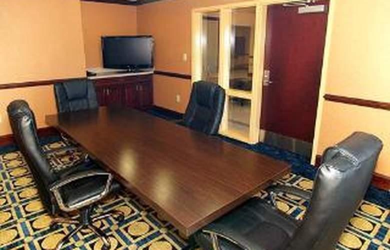 Comfort Inn & Suites Augusta - General - 1