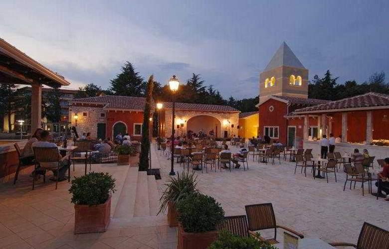 Sol Garden Istra Hotel & Village - Terrace - 12