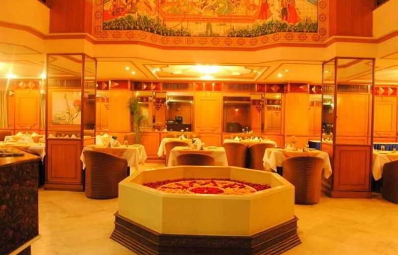 Vesta Maurya Palace - Restaurant - 12