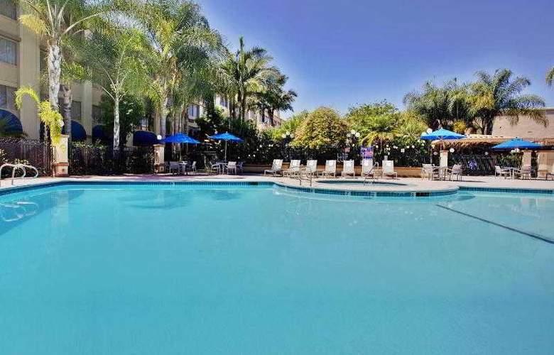 Holiday Inn Buena Park - Pool - 19