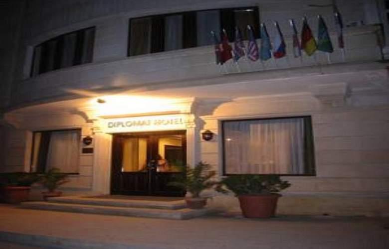 Diplomat Hotel - Hotel - 0