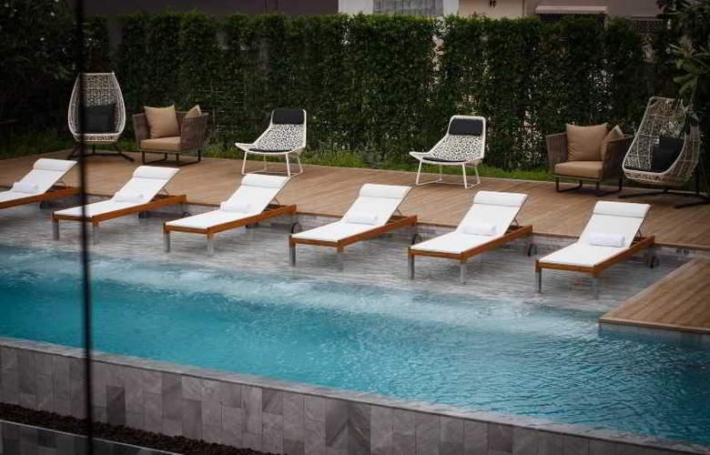 Ad Lib, Bangkok - Pool - 11