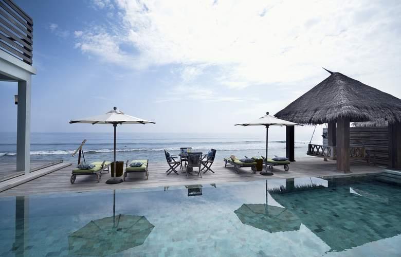 Naladhu Private Island Maldives - Spa - 14