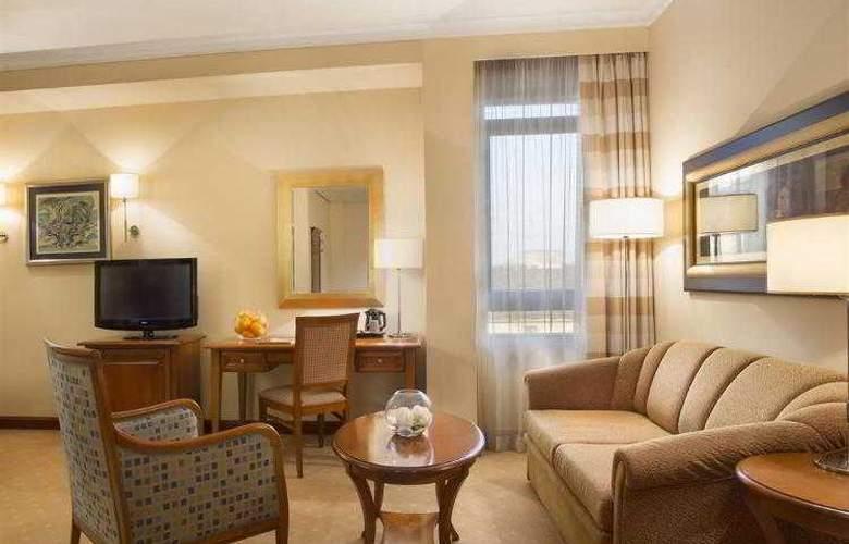 Best Western Premier Astoria - Hotel - 82