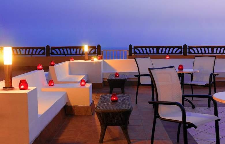 Iberostar Bouganville Playa - Terrace - 9