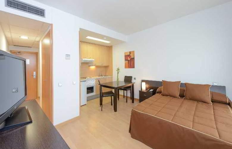 Tryp Madrid Airport Suites - Room - 13