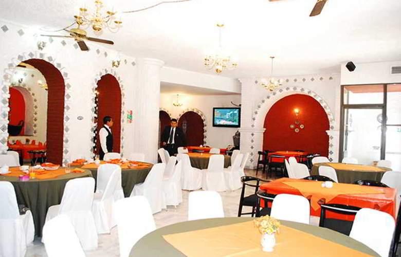 Aristos Puebla - Restaurant - 40