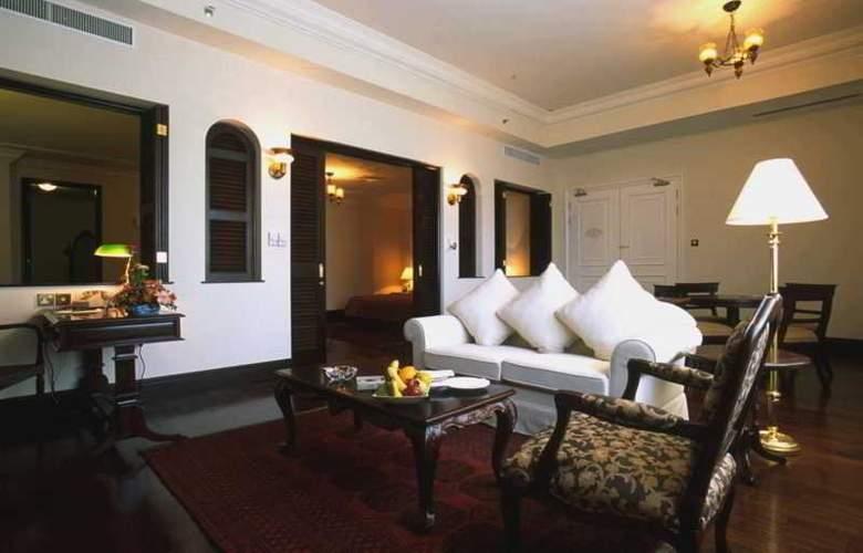 Eastern and Oriental Hotel Penang - Room - 14
