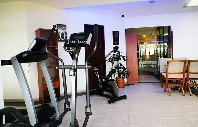 Hotel Embassy Park - Sport - 5