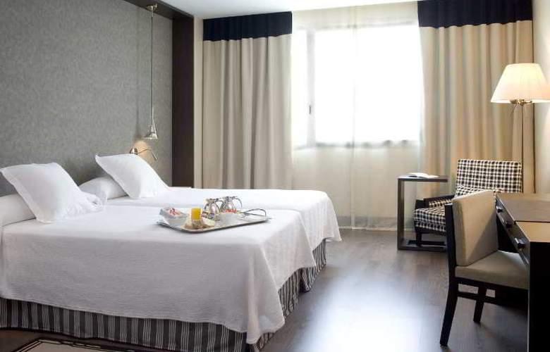NH Alicante - Hotel - 5
