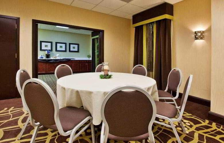 Holiday Inn Express Atlanta Airport - Hotel - 8