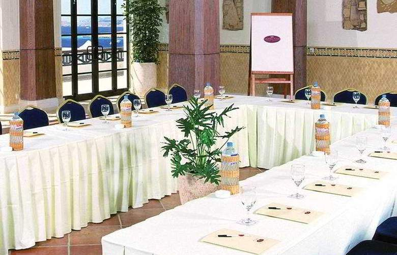 Crowne Plaza Resort - Conference - 6