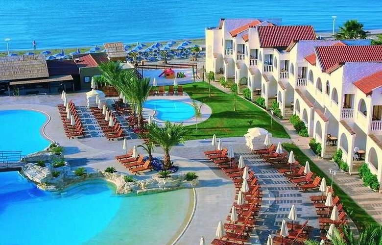Princess Beach - Hotel - 0