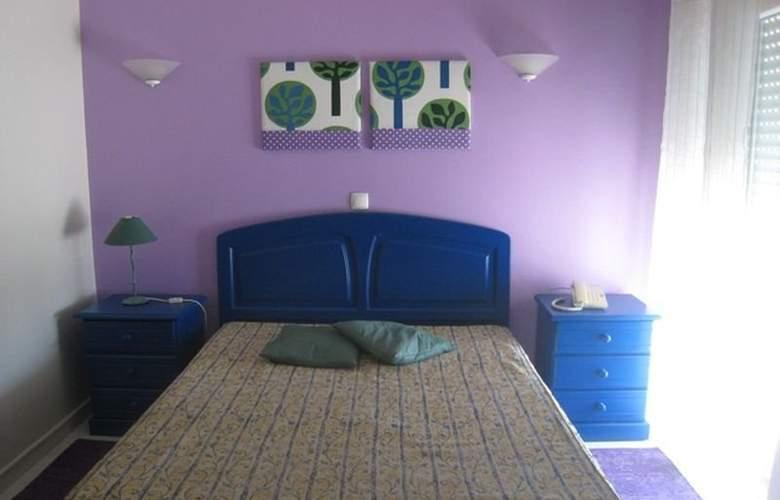 Praia Azul - Room - 5