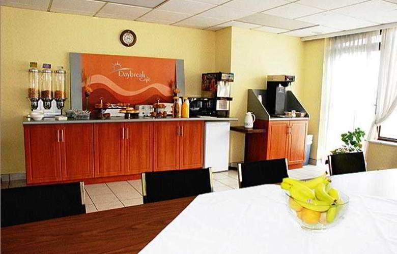 Days Inn Windsor Casino - Restaurant - 10