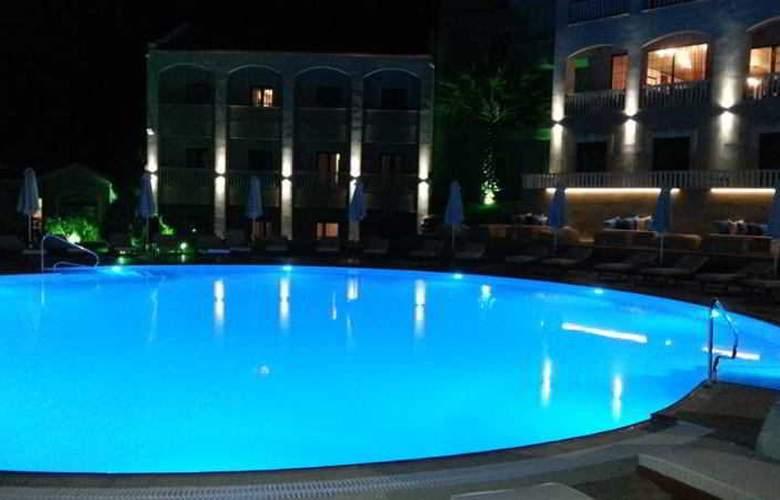 Heaven - Pool - 0