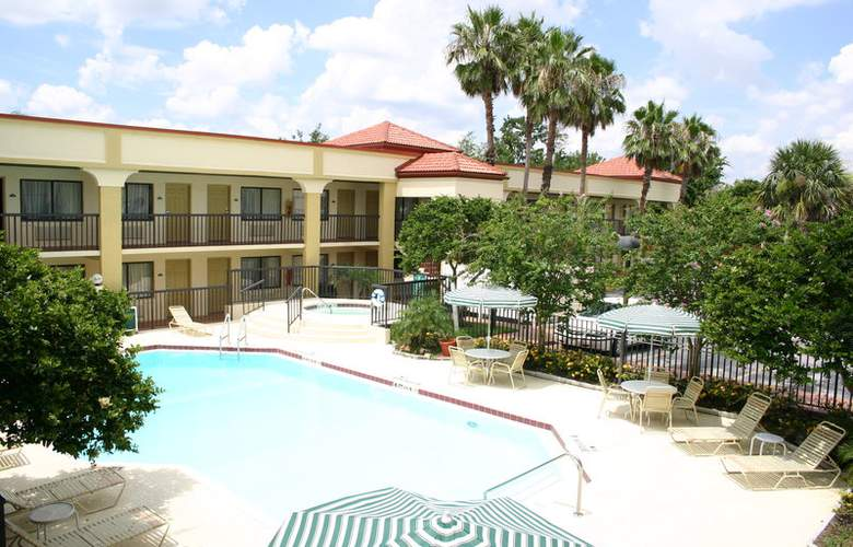 Best Western Orlando East Inn & Suites - Pool - 0