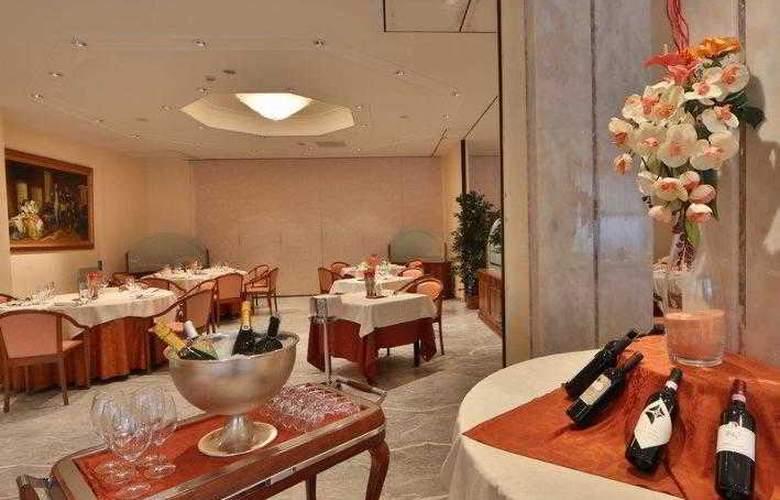 Best Western Globus City - Hotel - 5