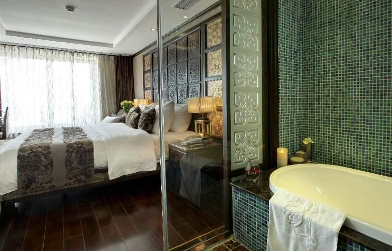 Golden Lotus Luxury Hotel - Room - 8