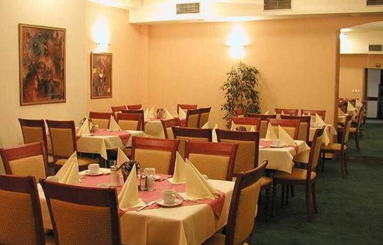 Best Western Hotel Meteor Plaza - Hotel - 15