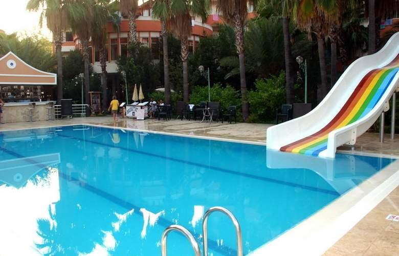 Orfeus Hotel - Pool - 3