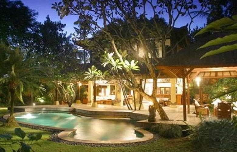 Santai Bali - Pool - 4