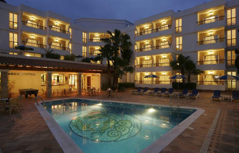 Suitehotel S´Argamassa Palace - Pool - 3