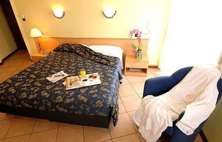 Mennini - Room - 4