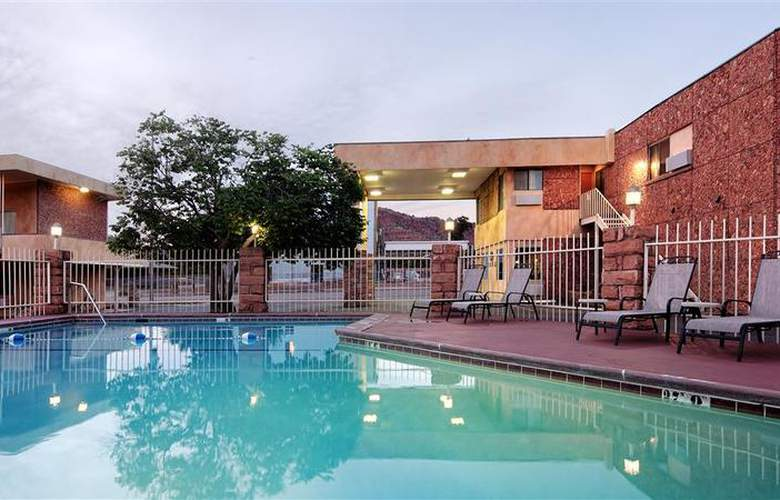 Best Western Red Hills - Pool - 89