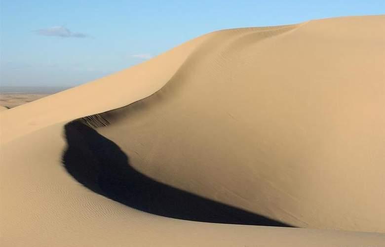 Best Western Desert Villa Inn - Hotel - 2