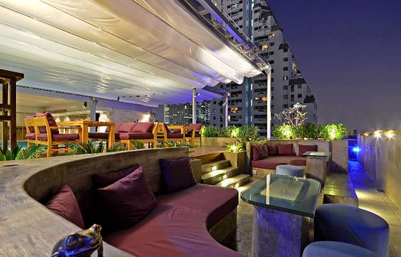 Galleria 10 Sukhumvit by Compass Hospitality - Terrace - 9