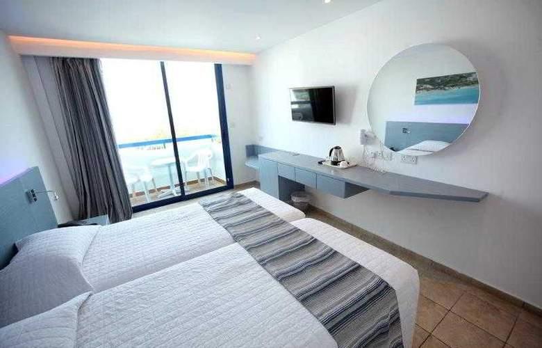 Anonymous Beach Hotel - Room - 8