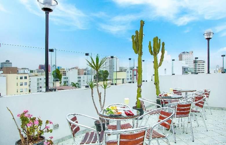 Embajadores Hotel - Terrace - 21