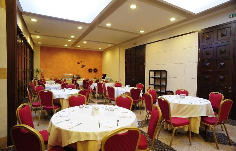 Dionissos - Restaurant - 2