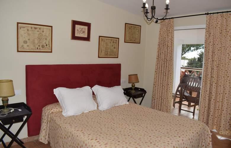 Suites Cortijo Fontanilla - Room - 1