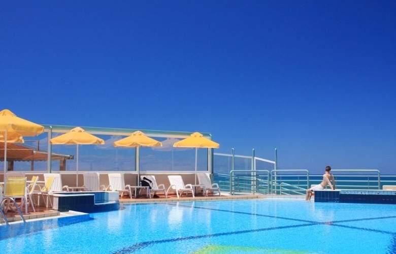 Ilianthos Village Suites - Pool - 5