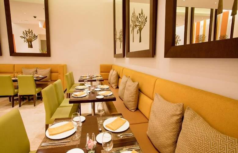 Holiday Inn Bogota Airport Hotel - Restaurant - 19